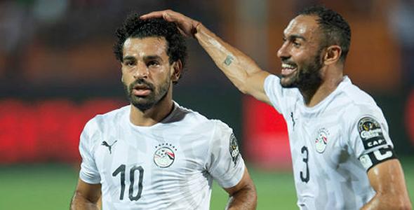 埃及右邊鋒萨拉赫(左)和右閘艾莫哈馬迪(右)近2场均有进球奉獻。